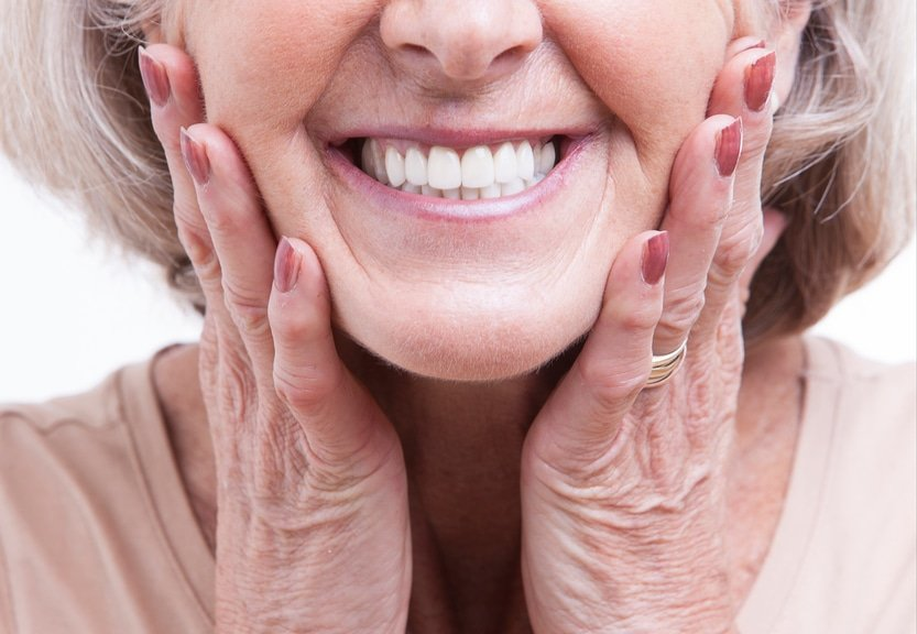 check-out-these-3-tips-for-dental-assistant-school-graduates-on-assisting-patients-with-dentures
