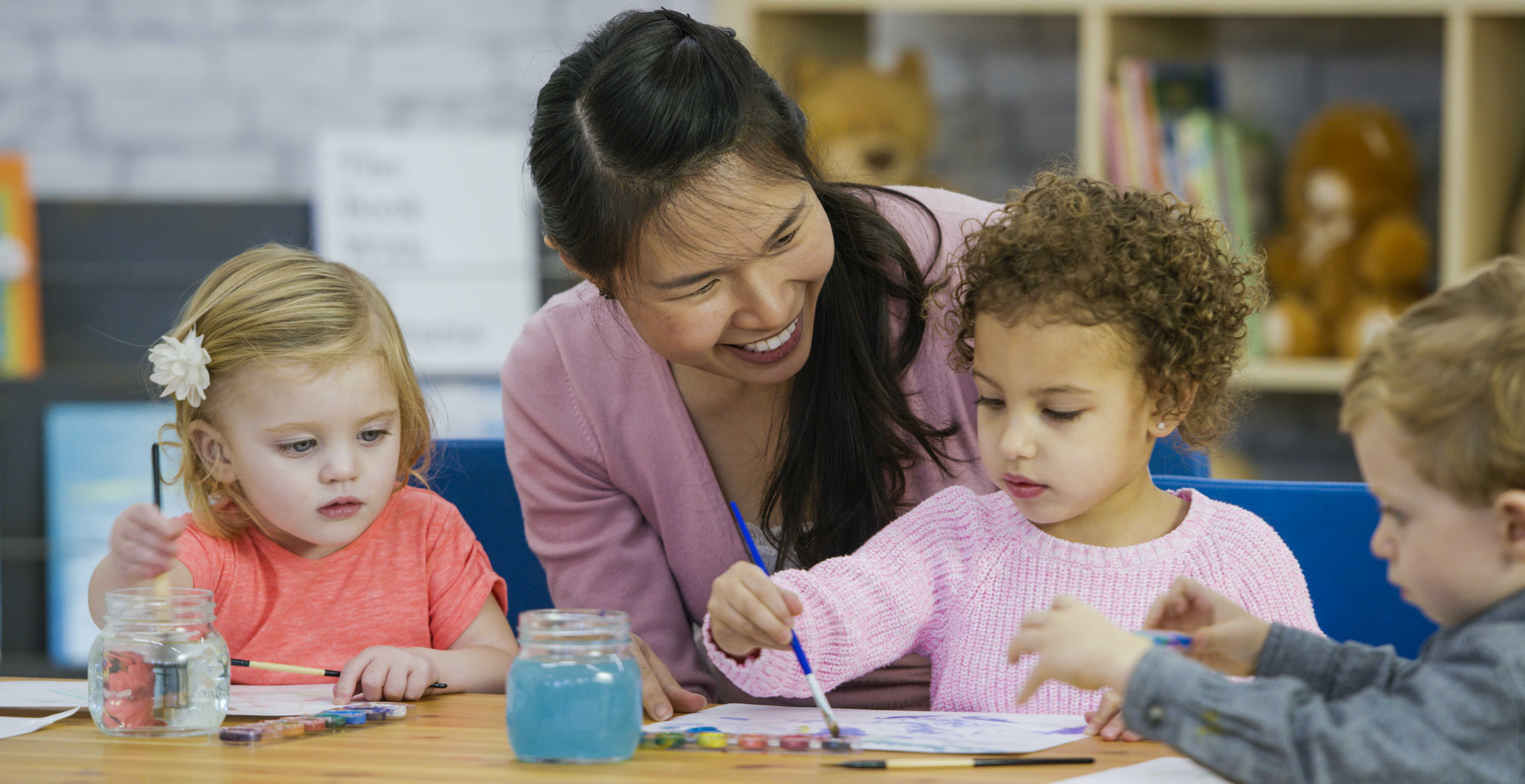 Why an Early Childcare Assistant Career Is So Rewarding